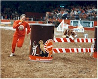 Val running Cree at Crufts '83></font></b><font size=